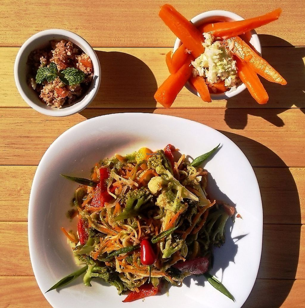 """Photo of Bar Seu Vagem  by <a href=""""/members/profile/EricLorensattoCamarg"""">EricLorensattoCamarg</a> <br/>Vegan/Raw Lunch: Tabule salad, Carrots with cabbage, raw zucchini and carrot spaghetti, chili, cauliflower and much love =) <br/> May 21, 2017  - <a href='/contact/abuse/image/74776/310863'>Report</a>"""