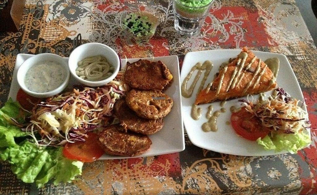 """Photo of CLOSED: Zaziv Vegan Bistro  by <a href=""""/members/profile/Roky911"""">Roky911</a> <br/>Cake <br/> December 11, 2016  - <a href='/contact/abuse/image/74820/199779'>Report</a>"""