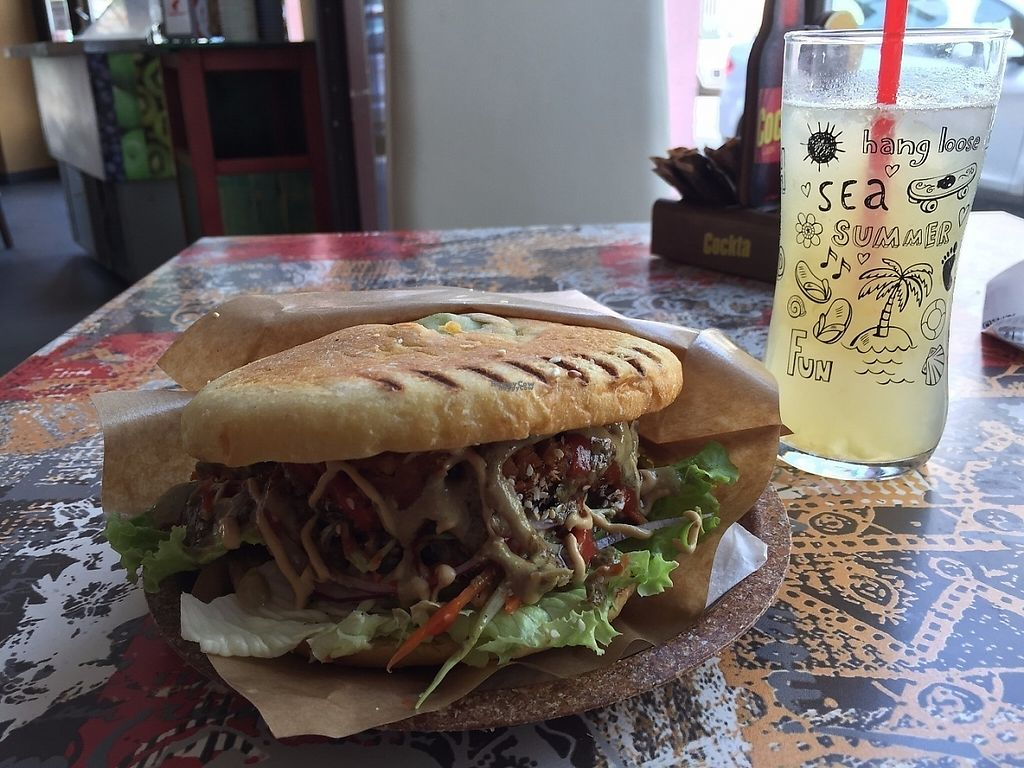 """Photo of CLOSED: Zaziv Vegan Bistro  by <a href=""""/members/profile/rackoo"""">rackoo</a> <br/>Nice burger <br/> December 13, 2016  - <a href='/contact/abuse/image/74820/200573'>Report</a>"""