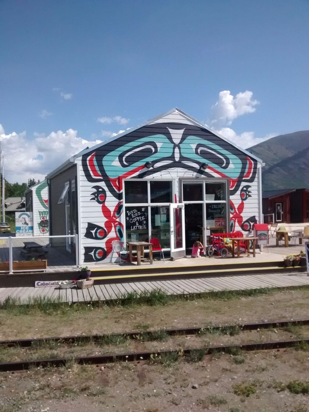 """Photo of Caribou Crossing Coffee  by <a href=""""/members/profile/QuothTheRaven"""">QuothTheRaven</a> <br/>Outside <br/> June 17, 2016  - <a href='/contact/abuse/image/74867/154522'>Report</a>"""