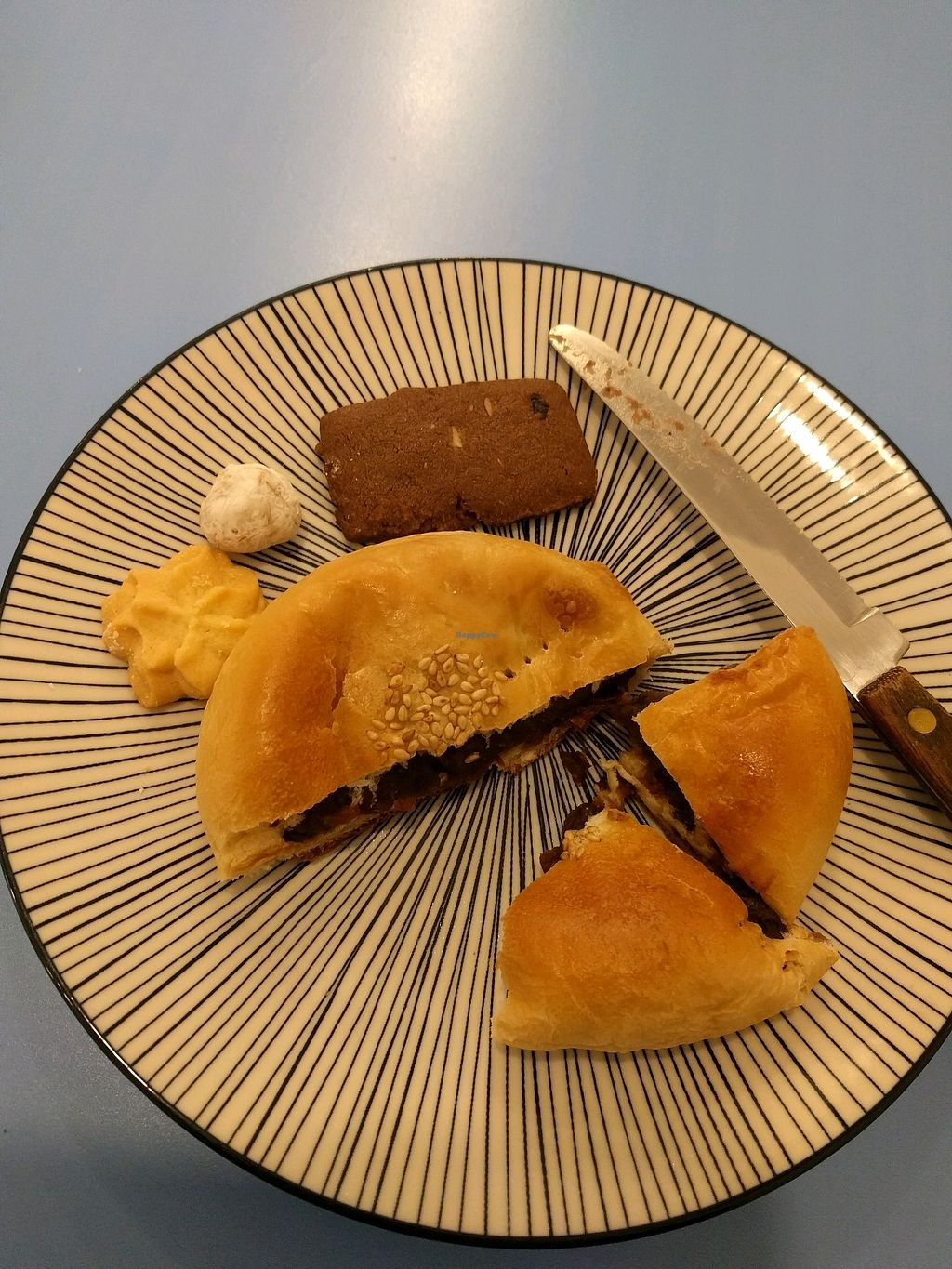 """Photo of Haemil Bakery  by <a href=""""/members/profile/alisahimsa"""">alisahimsa</a> <br/>Red bean bread and cookies  <br/> February 13, 2018  - <a href='/contact/abuse/image/74914/358752'>Report</a>"""