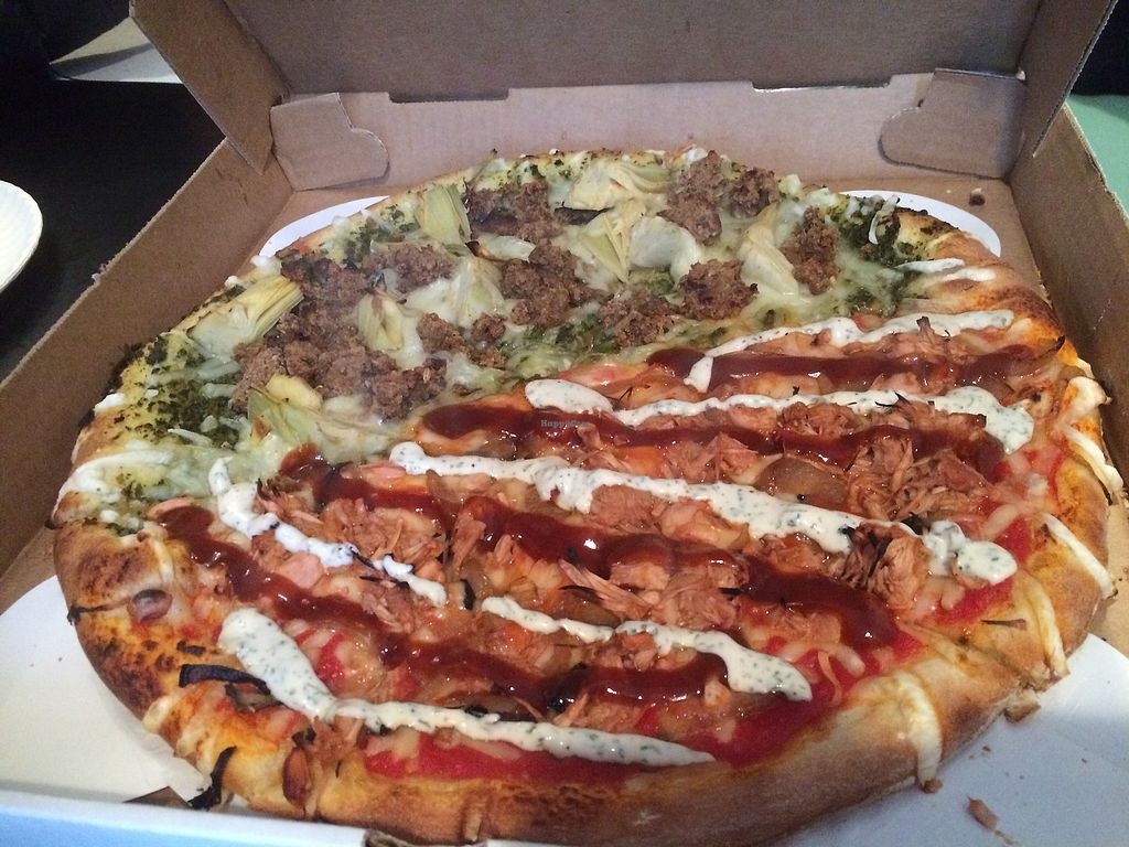 "Photo of Screamer's Pizzeria  by <a href=""/members/profile/fruitiJulie"">fruitiJulie</a> <br/>BBQ jack and artichoke pie  <br/> December 31, 2017  - <a href='/contact/abuse/image/75081/341416'>Report</a>"
