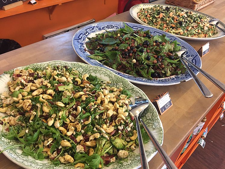 """Photo of CycleLab & JuiceBar  by <a href=""""/members/profile/Bea_lc"""">Bea_lc</a> <br/>lunch time salad options <br/> June 14, 2017  - <a href='/contact/abuse/image/75104/269210'>Report</a>"""
