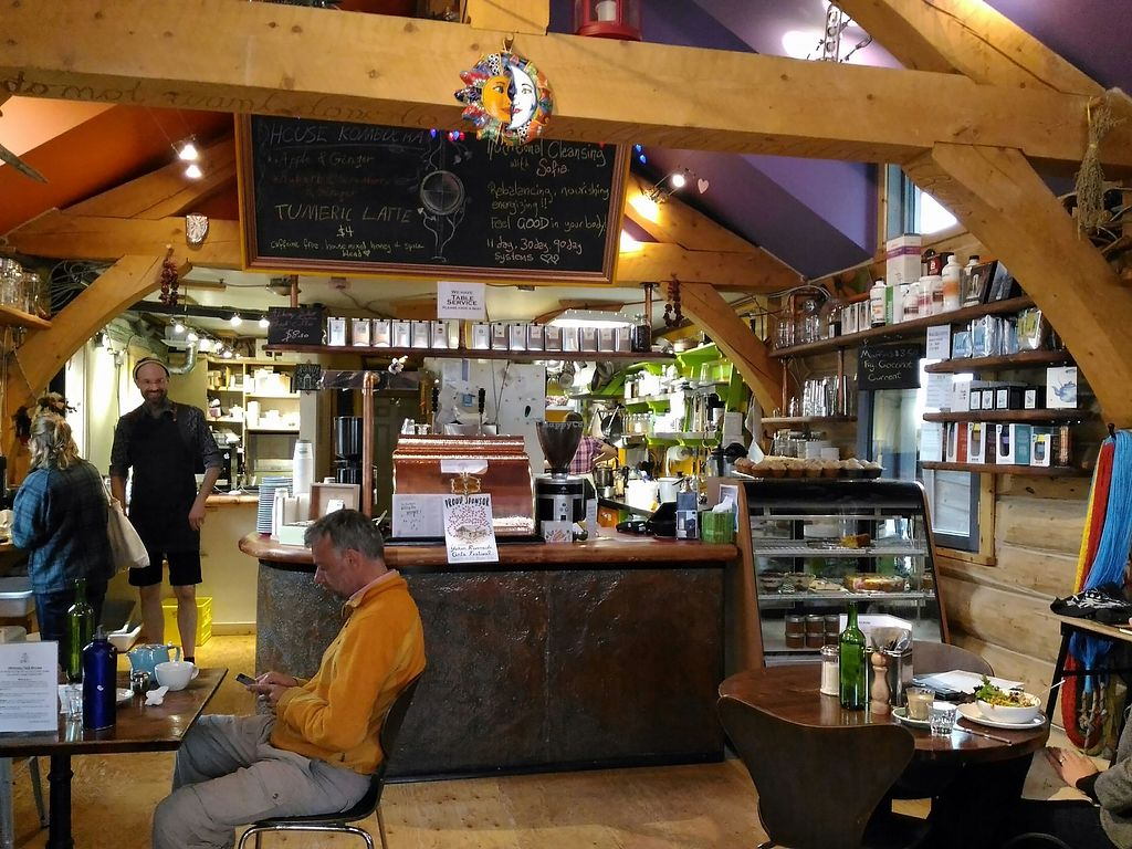"Photo of Alchemy Cafe  by <a href=""/members/profile/Piedslibres"">Piedslibres</a> <br/>Nice atmosphere <br/> August 17, 2017  - <a href='/contact/abuse/image/75168/293692'>Report</a>"