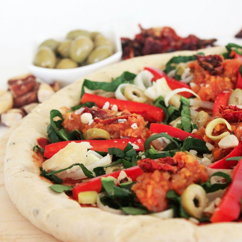 "Photo of Lu Cocina Vegana  by <a href=""/members/profile/durolio"">durolio</a> <br/>Pizza Mediterránea!!! <br/> June 16, 2016  - <a href='/contact/abuse/image/75217/154327'>Report</a>"