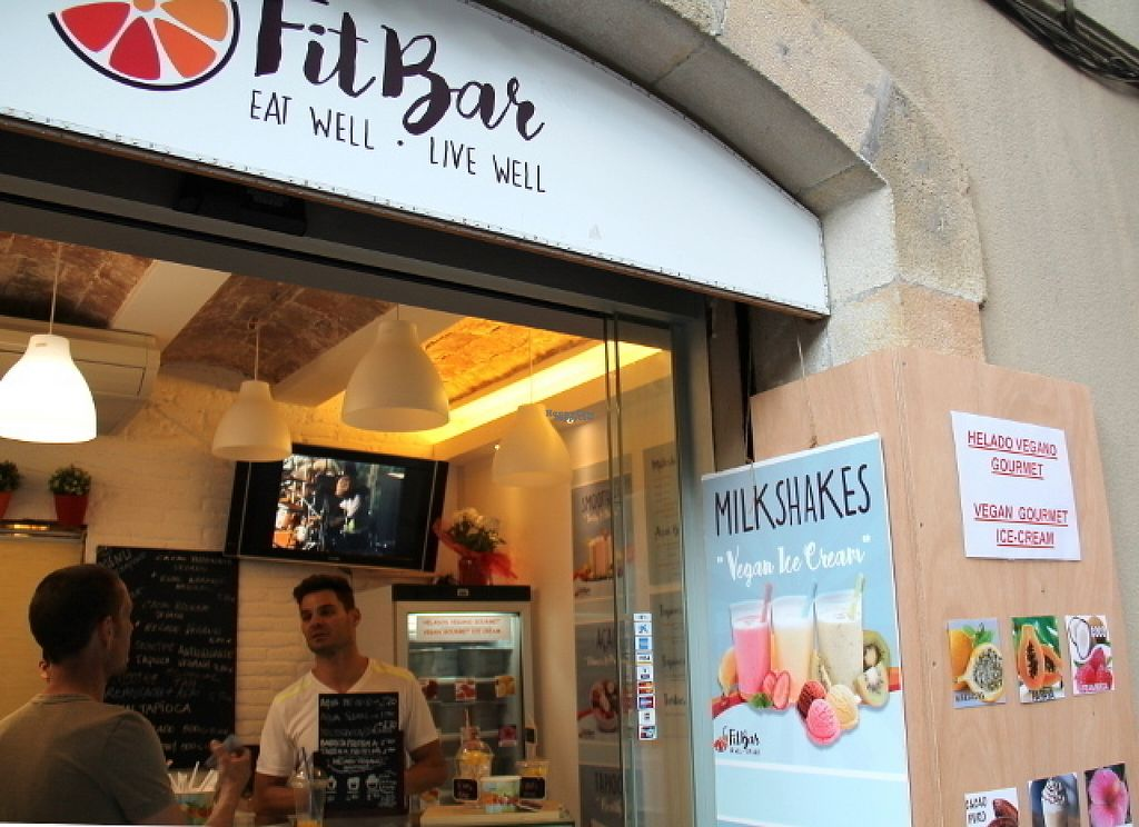 """Photo of FitBar - Sant Miquel  by <a href=""""/members/profile/reissausta%20ja%20ruokaa"""">reissausta ja ruokaa</a> <br/>FitBar facade.  <br/> August 10, 2016  - <a href='/contact/abuse/image/75259/167512'>Report</a>"""