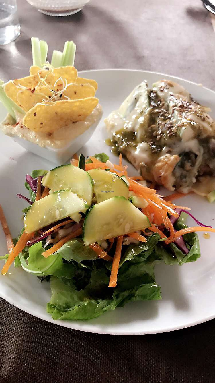 """Photo of La Rogeta Cuina Vegana  by <a href=""""/members/profile/E.M"""">E.M</a> <br/>Lasagna with salad and hummos with crackers <br/> September 24, 2017  - <a href='/contact/abuse/image/75267/307695'>Report</a>"""