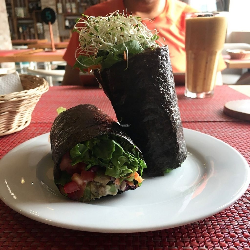 """Photo of Raw Cafe - La Molina  by <a href=""""/members/profile/safell"""">safell</a> <br/>Nori wrap <br/> February 10, 2017  - <a href='/contact/abuse/image/75302/224824'>Report</a>"""