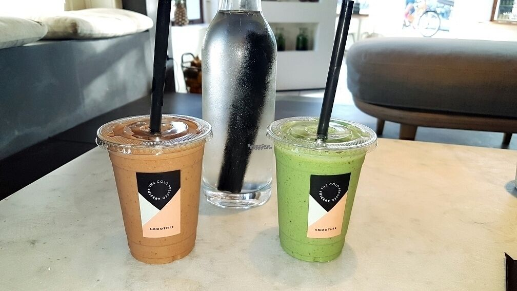 """Photo of The Cold Pressed Juicery - Prinsengracht  by <a href=""""/members/profile/JellieNL"""">JellieNL</a> <br/>Smoothies 'The Sh*t' en ' The Mango Green Protein' <br/> September 24, 2016  - <a href='/contact/abuse/image/75355/177700'>Report</a>"""