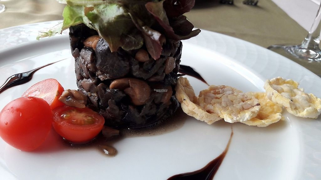 """Photo of CLOSED: Olives Restaurante  by <a href=""""/members/profile/Veganolive1"""">Veganolive1</a> <br/>Mushroom & cashew salad <br/> January 3, 2017  - <a href='/contact/abuse/image/75356/207774'>Report</a>"""