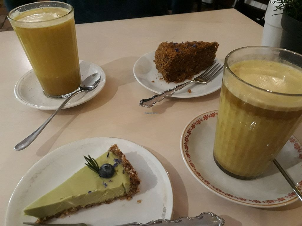 "Photo of Terapija  by <a href=""/members/profile/LauraMu"">LauraMu</a> <br/>Turmeric lattes and cake <br/> February 17, 2018  - <a href='/contact/abuse/image/75403/360475'>Report</a>"