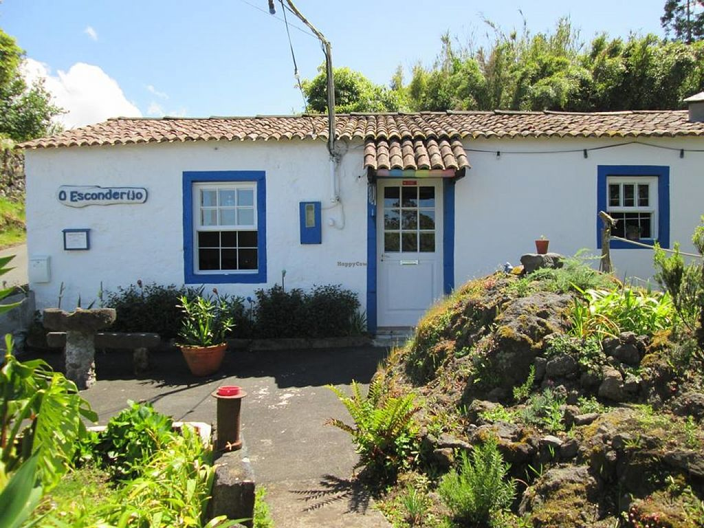 """Photo of O Esconderijo  by <a href=""""/members/profile/community"""">community</a> <br/>O Esconderijo <br/> June 20, 2016  - <a href='/contact/abuse/image/75406/155144'>Report</a>"""