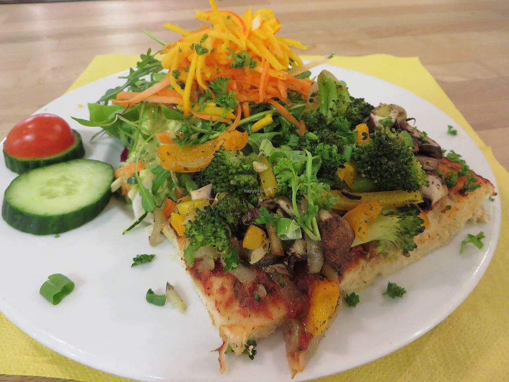 "Photo of Oh! Bio Mio  by <a href=""/members/profile/VegiAnna"">VegiAnna</a> <br/>Colourful vegetable pizza accompanied by a winter salad (both vegan) <br/> March 3, 2018  - <a href='/contact/abuse/image/7540/366342'>Report</a>"