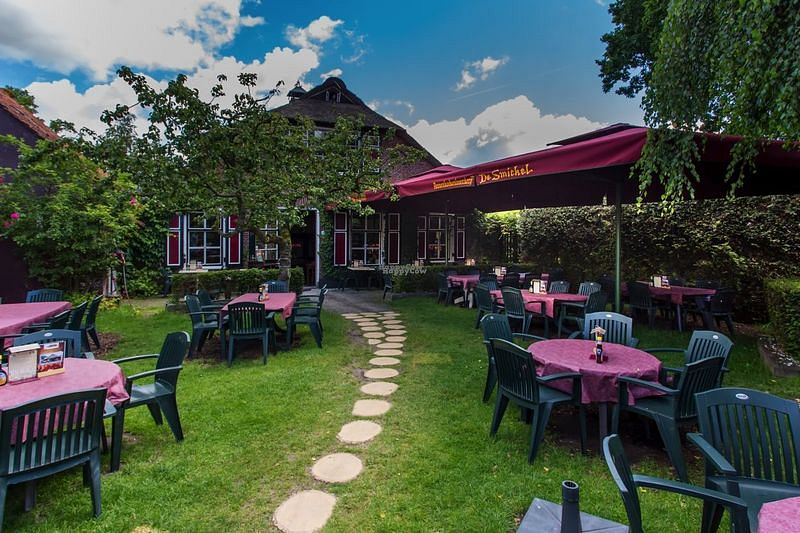 """Photo of Pannenkoekenboerderij De Smickel  by <a href=""""/members/profile/Slalolly"""">Slalolly</a> <br/>Outside seating <br/> October 11, 2016  - <a href='/contact/abuse/image/75420/181324'>Report</a>"""
