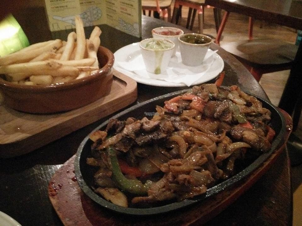 "Photo of Las Iguanas - Fitzwilliam St  by <a href=""/members/profile/Meaks"">Meaks</a> <br/>Mushroom Fajitas <br/> September 4, 2016  - <a href='/contact/abuse/image/75502/173613'>Report</a>"