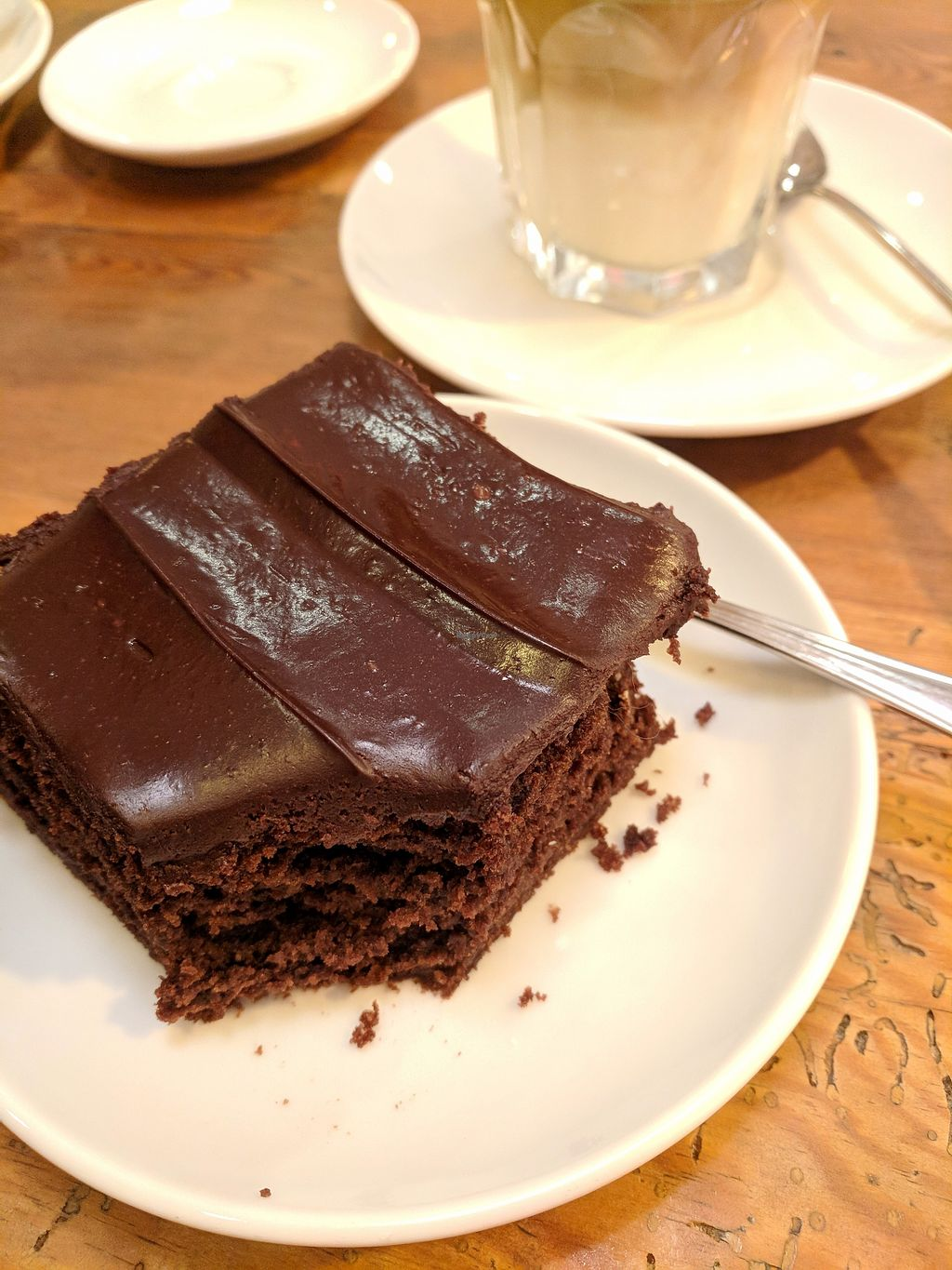 "Photo of Katjes Cafe Grün-Ohr  by <a href=""/members/profile/Pupnik"">Pupnik</a> <br/>Avocado chocolate cake <br/> November 16, 2017  - <a href='/contact/abuse/image/75531/326306'>Report</a>"