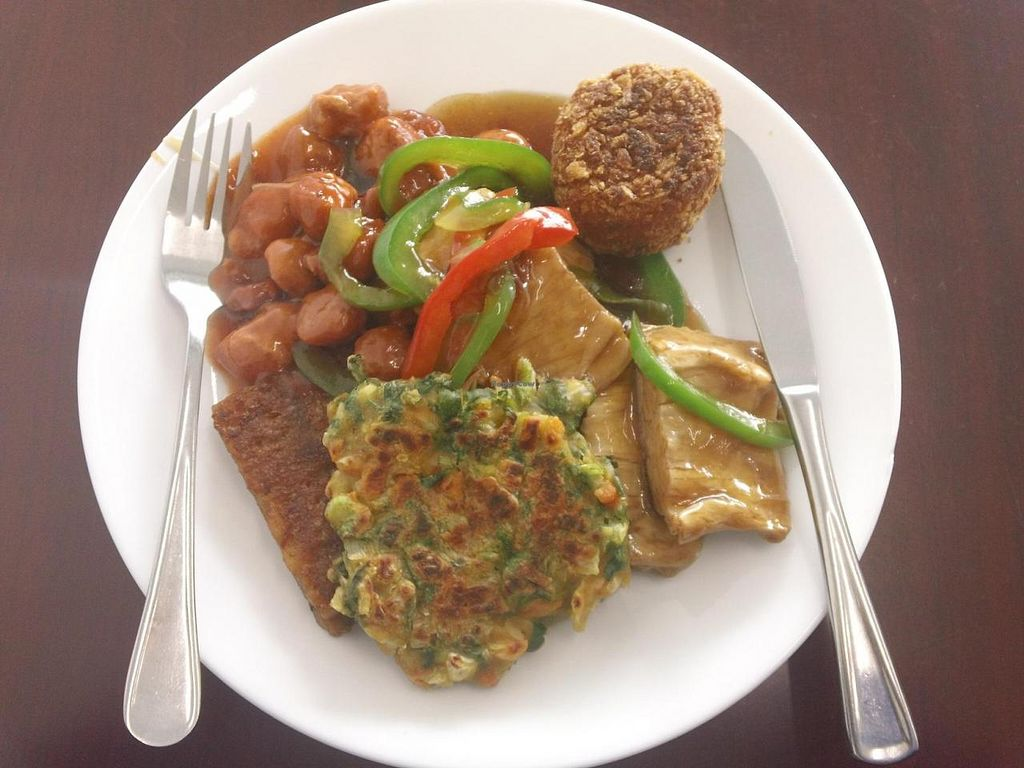 "Photo of Vegan Buffet  by <a href=""/members/profile/cvxmelody"">cvxmelody</a> <br/>Buffet plate <br/> July 31, 2014  - <a href='/contact/abuse/image/7556/75649'>Report</a>"