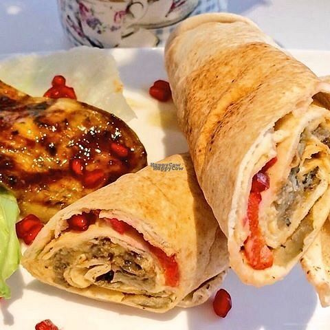 "Photo of Rosie Chai  by <a href=""/members/profile/Meaks"">Meaks</a> <br/>Organic Grilled Aubergine Wrap with roasted pepper and fresh pomegranate <br/> October 6, 2016  - <a href='/contact/abuse/image/75610/180158'>Report</a>"