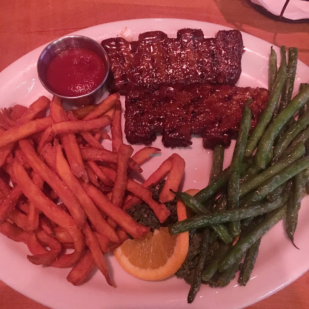 "Photo of Madera's  by <a href=""/members/profile/emilyvallely"">emilyvallely</a> <br/>vegan ribs w/ sweet potato fries and green beans <br/> January 16, 2017  - <a href='/contact/abuse/image/75642/212410'>Report</a>"