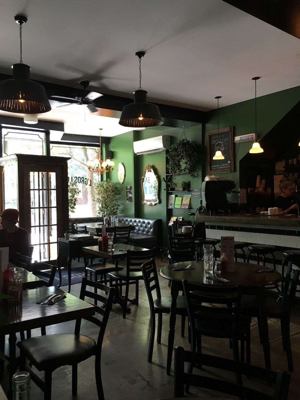 """Photo of CLOSED: L'Gros Luxe 100% Vege  by <a href=""""/members/profile/Veganikismyname"""">Veganikismyname</a> <br/>Adorable decor and great ambiance <br/> August 23, 2016  - <a href='/contact/abuse/image/75664/170855'>Report</a>"""
