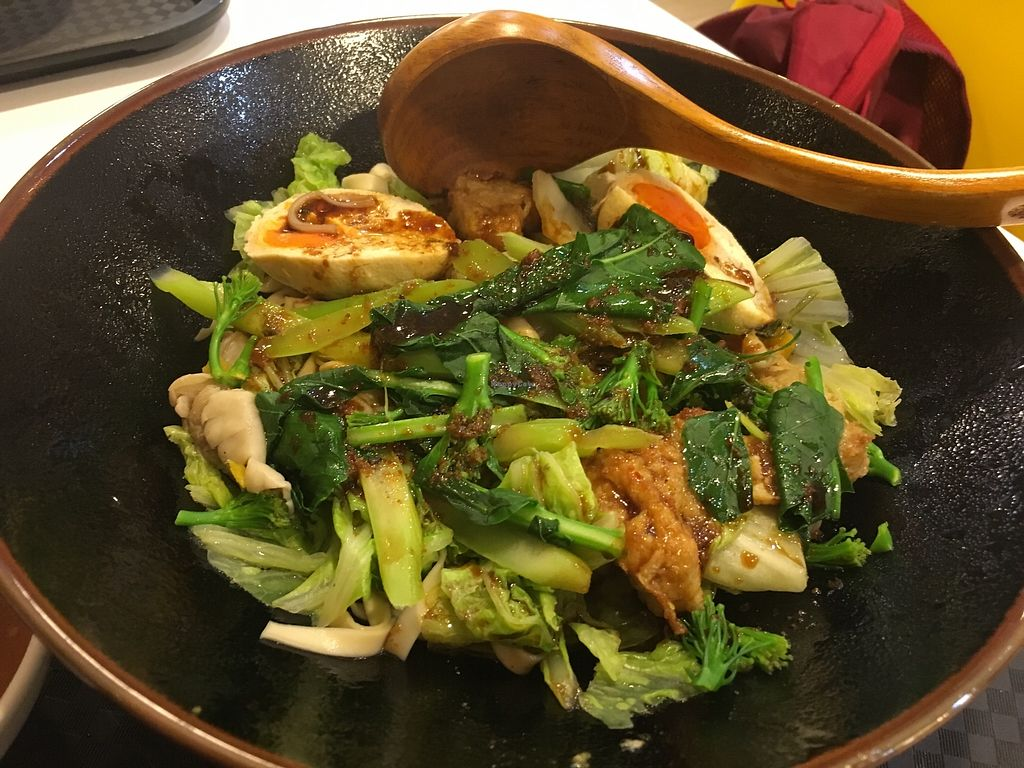 "Photo of Healthy Farm - XVNT Binh Thanh District  by <a href=""/members/profile/JeppoMAX"">JeppoMAX</a> <br/>Build your own stir fry <br/> March 3, 2018  - <a href='/contact/abuse/image/75933/366133'>Report</a>"