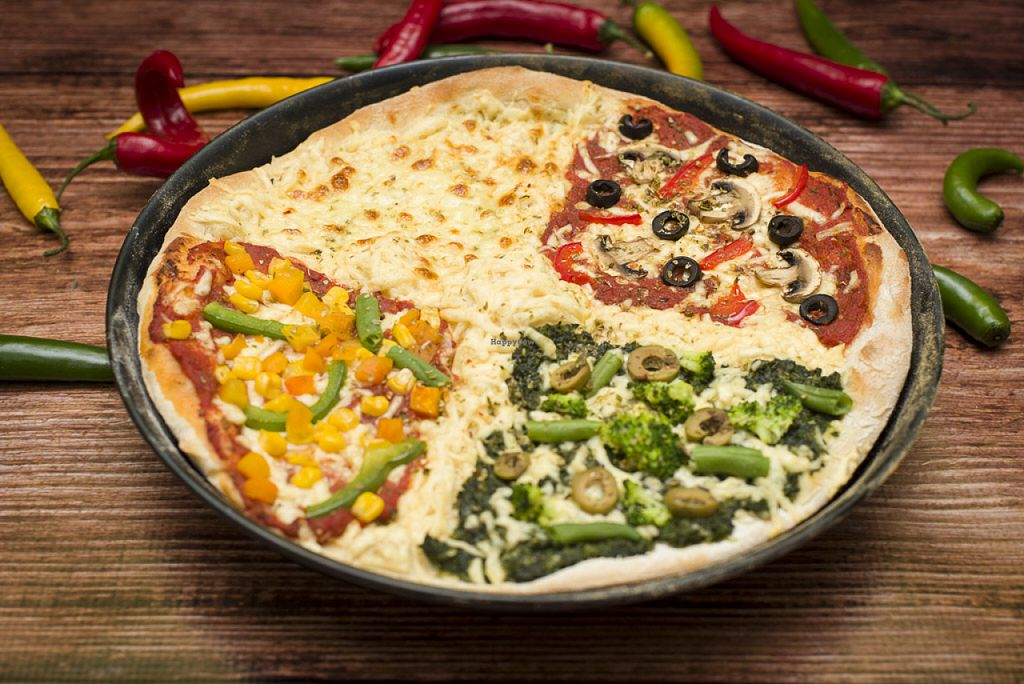 """Photo of Cocina Verde  by <a href=""""/members/profile/Dymphna"""">Dymphna</a> <br/>4 Pory Roq pizza <br/> July 3, 2016  - <a href='/contact/abuse/image/75940/157462'>Report</a>"""