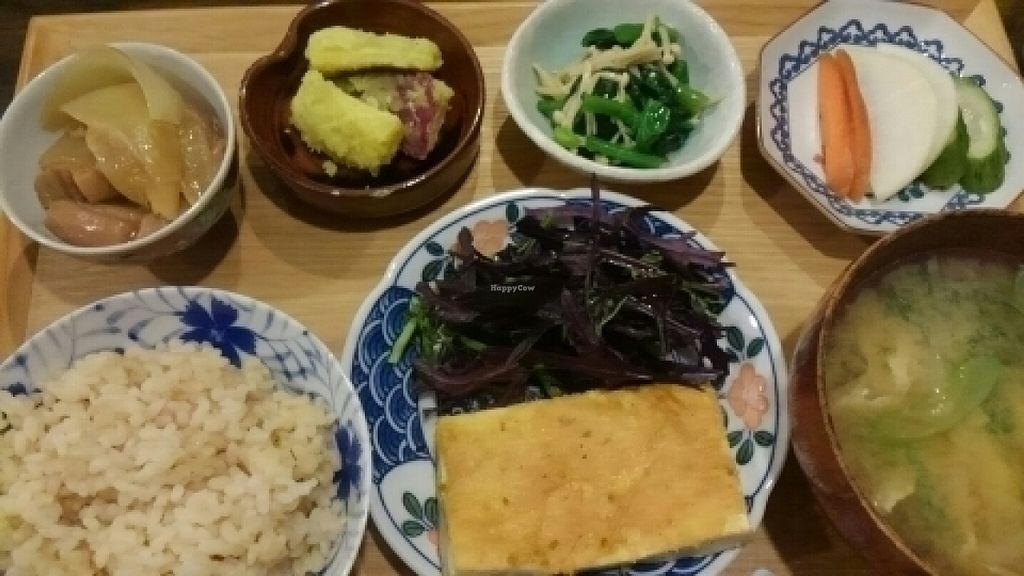 "Photo of Tsuyukusa  by <a href=""/members/profile/Lillian"">Lillian</a> <br/>yummy vegan dinner (""⌒∇⌒"") <br/> July 13, 2016  - <a href='/contact/abuse/image/75982/159578'>Report</a>"