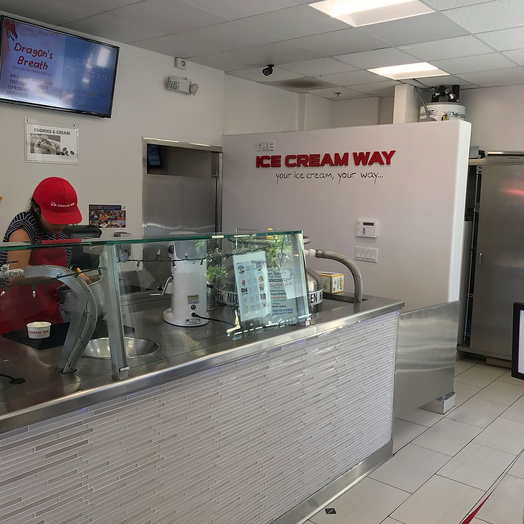 """Photo of The Ice Cream Way  by <a href=""""/members/profile/xmrfigx"""">xmrfigx</a> <br/>The work station <br/> June 18, 2017  - <a href='/contact/abuse/image/76021/270689'>Report</a>"""