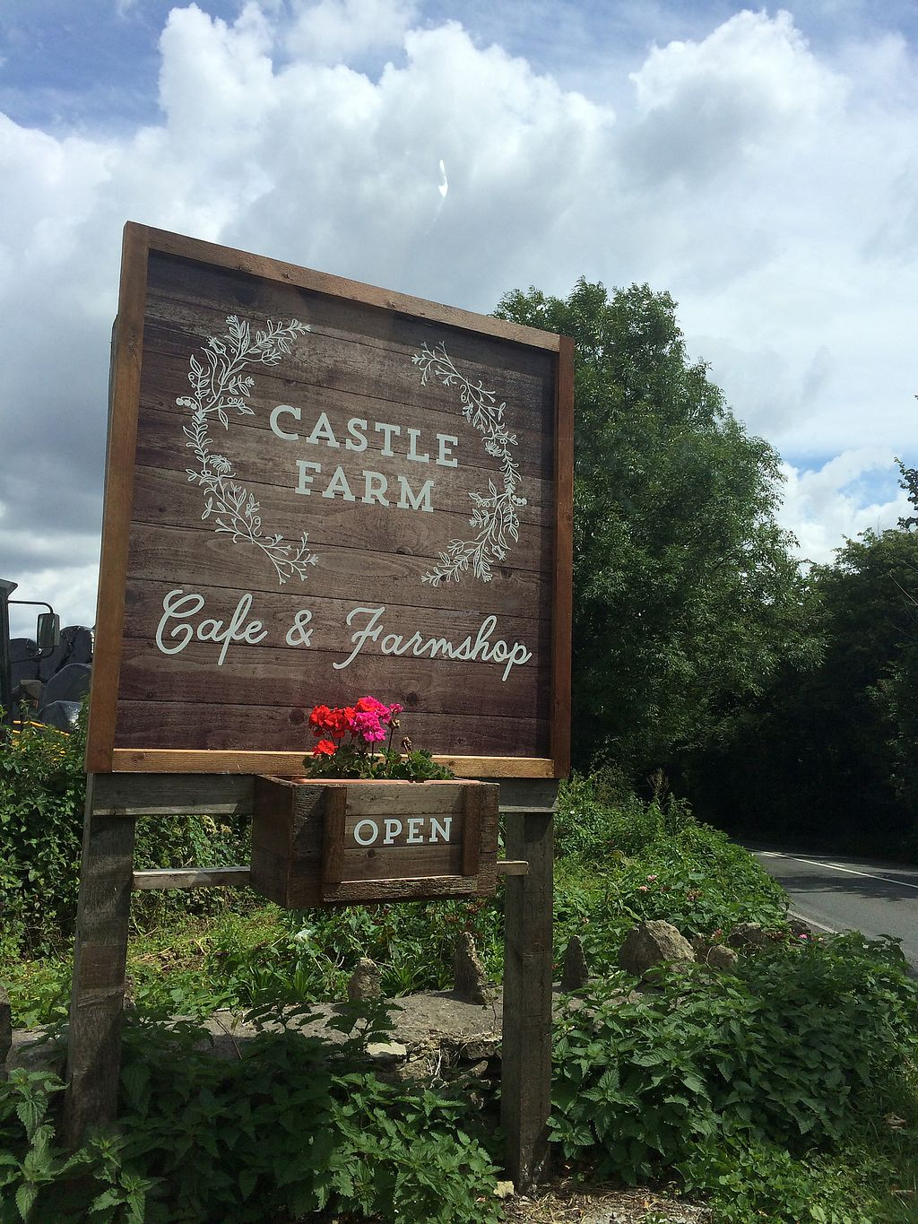 "Photo of Castle Farm Cafe  by <a href=""/members/profile/VeggieFromSpace"">VeggieFromSpace</a> <br/>the sign  <br/> July 14, 2017  - <a href='/contact/abuse/image/76073/280108'>Report</a>"