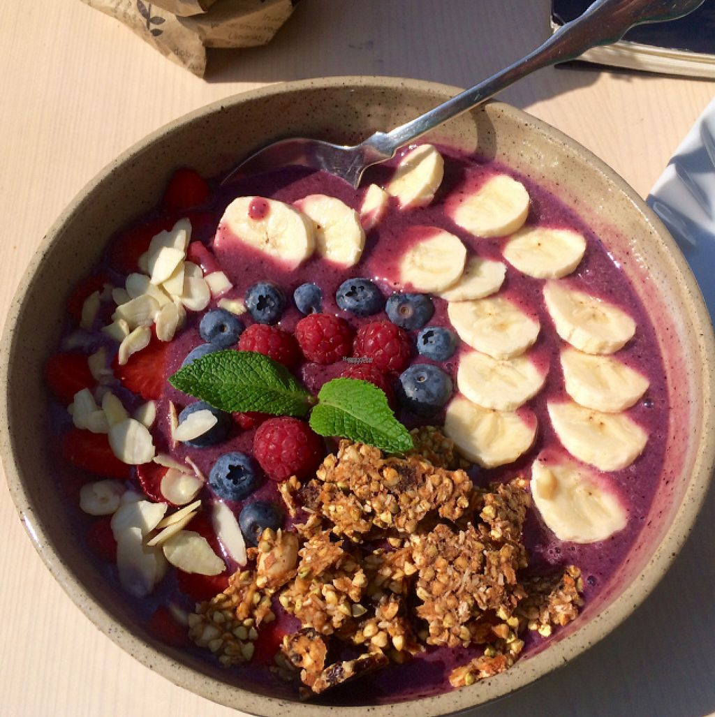 "Photo of Barbarella Arkade  by <a href=""/members/profile/greenhouselife"">greenhouselife</a> <br/>delicious smoothie bowl <br/> April 16, 2017  - <a href='/contact/abuse/image/76084/249029'>Report</a>"