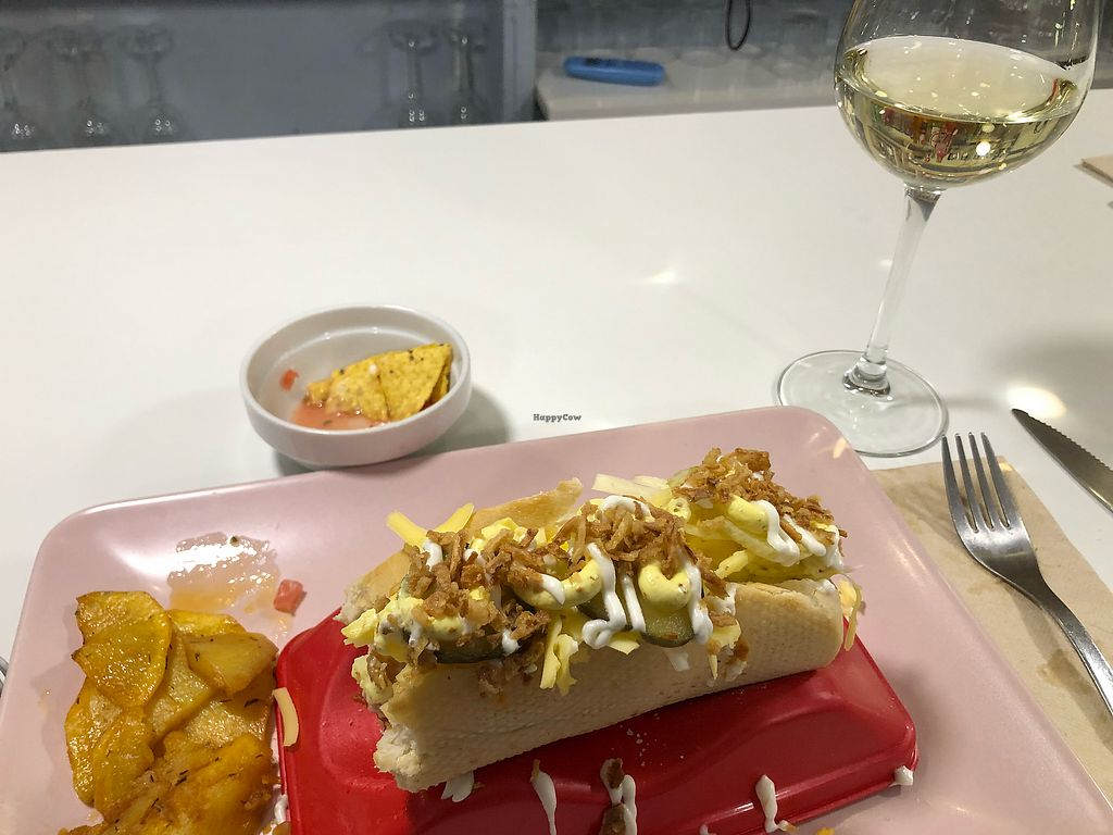 "Photo of Distrito Vegano  by <a href=""/members/profile/mayupmew"">mayupmew</a> <br/>American Hotdog style - Delicious! <br/> March 7, 2018  - <a href='/contact/abuse/image/76138/367951'>Report</a>"