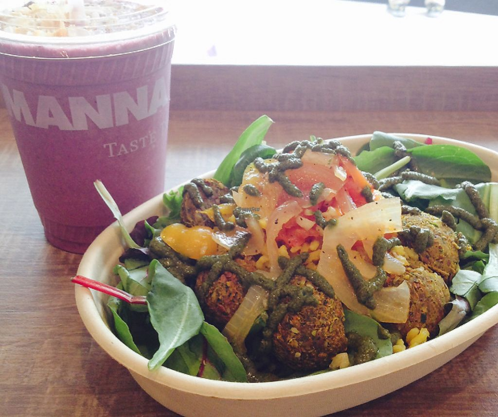 "Photo of Manna Life Food  by <a href=""/members/profile/martagreen"">martagreen</a> <br/>Berries & Cream Smoothie and Roasted Veggie Bowl <br/> November 14, 2016  - <a href='/contact/abuse/image/76156/196631'>Report</a>"