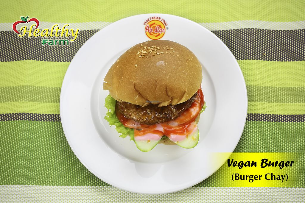 """Photo of Healthy Farm - Minh Phung District 6  by <a href=""""/members/profile/MRJayNguyen"""">MRJayNguyen</a> <br/>Vegan Burger <br/> August 17, 2017  - <a href='/contact/abuse/image/76194/293484'>Report</a>"""
