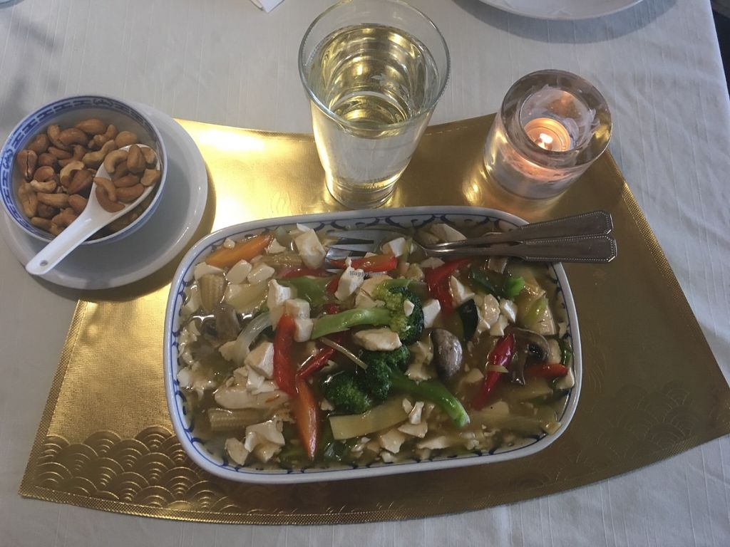 "Photo of Ming Thai  by <a href=""/members/profile/veganmom"">veganmom</a> <br/>The vegan dish: Mixed vegetables and tofu.  <br/> July 8, 2016  - <a href='/contact/abuse/image/76249/158518'>Report</a>"