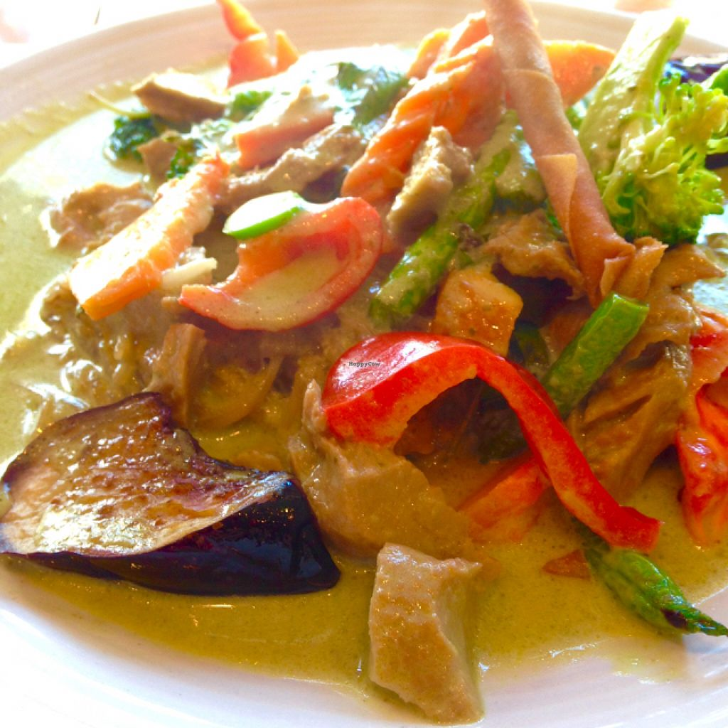 "Photo of Neecha Thai  by <a href=""/members/profile/AliciaPiccolina"">AliciaPiccolina</a> <br/>Curry Noodles lunch special with gluten. Delicious and enormous!  <br/> July 9, 2016  - <a href='/contact/abuse/image/76251/158702'>Report</a>"
