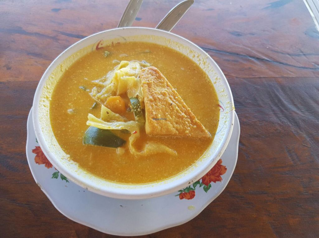 "Photo of Ya ya Warung  by <a href=""/members/profile/Sasae"">Sasae</a> <br/>Tofu Curry <br/> July 11, 2016  - <a href='/contact/abuse/image/76358/159158'>Report</a>"