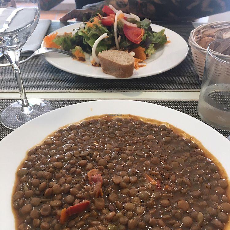 """Photo of Camino Vegano  by <a href=""""/members/profile/Noe"""">Noe</a> <br/>lentejas y ensalada de queso de boniato <br/> June 23, 2017  - <a href='/contact/abuse/image/76370/272655'>Report</a>"""