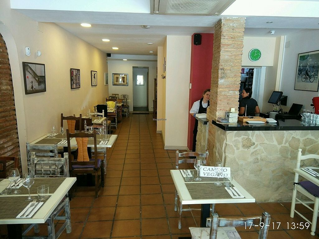 """Photo of Camino Vegano  by <a href=""""/members/profile/Aquilesgc"""">Aquilesgc</a> <br/>interior <br/> October 4, 2017  - <a href='/contact/abuse/image/76370/311845'>Report</a>"""