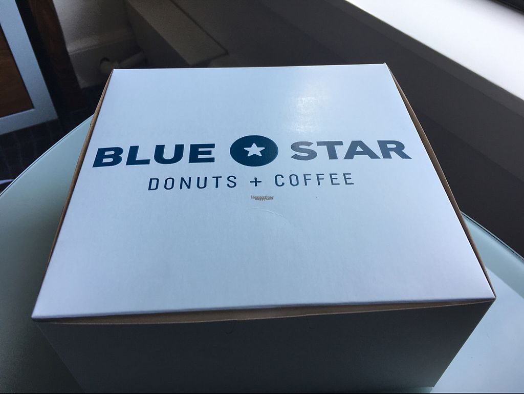 """Photo of Blue Star Donuts - Downtown  by <a href=""""/members/profile/Pedropod"""">Pedropod</a> <br/>Boxed wonderfully <br/> November 23, 2016  - <a href='/contact/abuse/image/76403/193744'>Report</a>"""