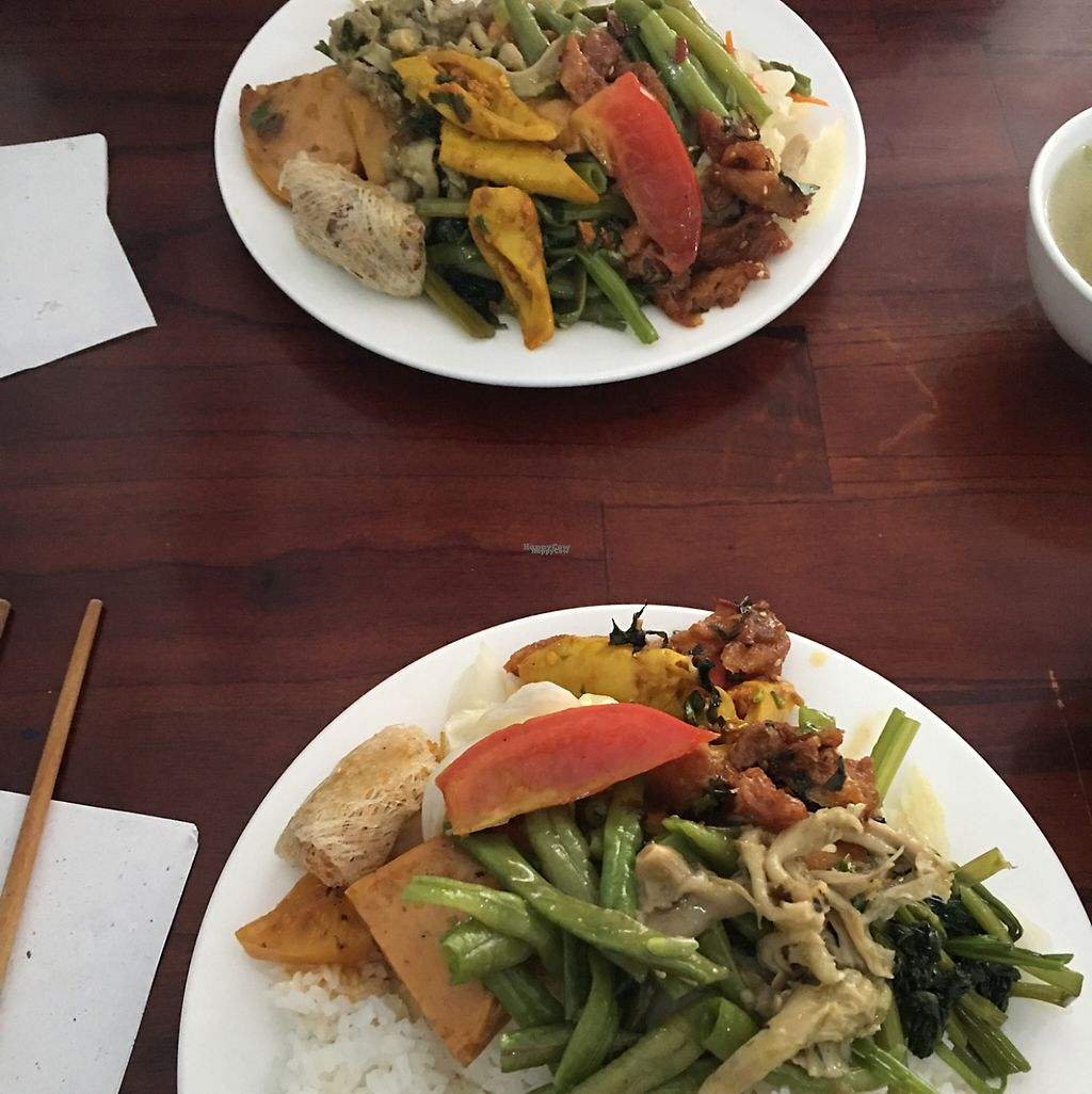 "Photo of An Lac - Quang Trung  by <a href=""/members/profile/joonas"">joonas</a> <br/>Cơm dĩa - rice platter with mixed veg and mock meats <br/> April 19, 2017  - <a href='/contact/abuse/image/76415/249811'>Report</a>"