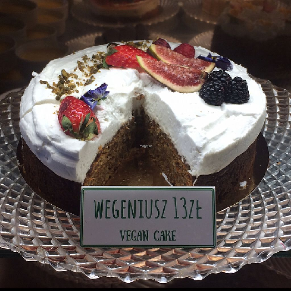 "Photo of Slodki Wentzl  by <a href=""/members/profile/FatTonyBMX"">FatTonyBMX</a> <br/>Vegan cake in the case.  <br/> March 2, 2017  - <a href='/contact/abuse/image/76426/231835'>Report</a>"