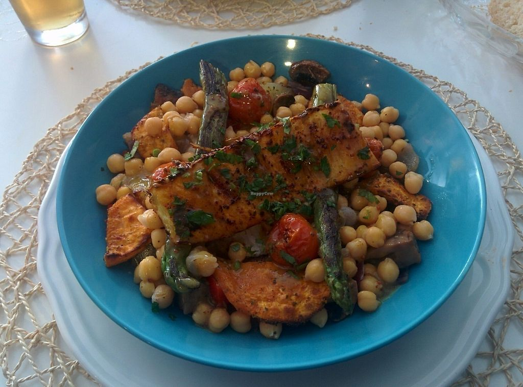 """Photo of Cookaluzka  by <a href=""""/members/profile/Sandro%20Zara"""">Sandro Zara</a> <br/>Vegan bowl, including roasted pineapple that was surpresively tasty <br/> May 10, 2017  - <a href='/contact/abuse/image/76497/257567'>Report</a>"""