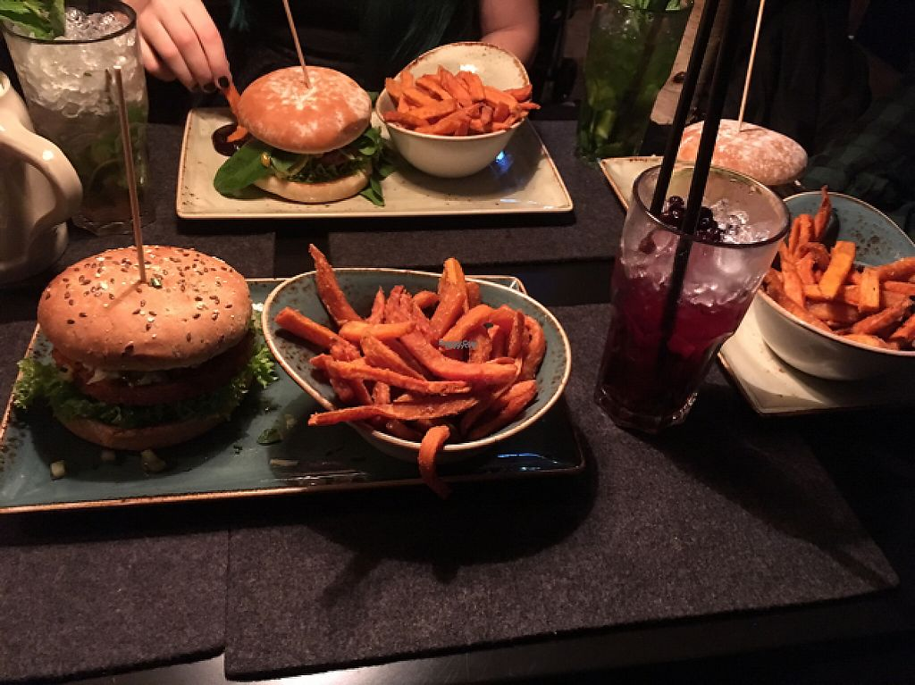 "Photo of Hans im Glück  by <a href=""/members/profile/Misanthropia"">Misanthropia</a> <br/>Dinner menu: Burger with sweet potato fries and a cocktail of your choice <br/> January 14, 2017  - <a href='/contact/abuse/image/76585/211854'>Report</a>"