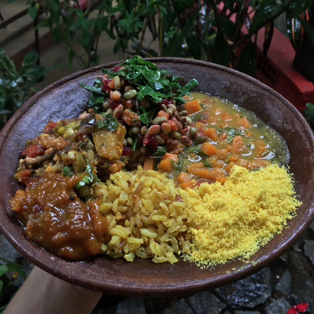 """Photo of Karranka  by <a href=""""/members/profile/marianasdo"""">marianasdo</a> <br/>Ensopado de legumes, caldo de lentilha, arroz com semente de mostarda, chutney de manga, salada com feijão branco e farofa <br/> May 9, 2017  - <a href='/contact/abuse/image/76624/257394'>Report</a>"""