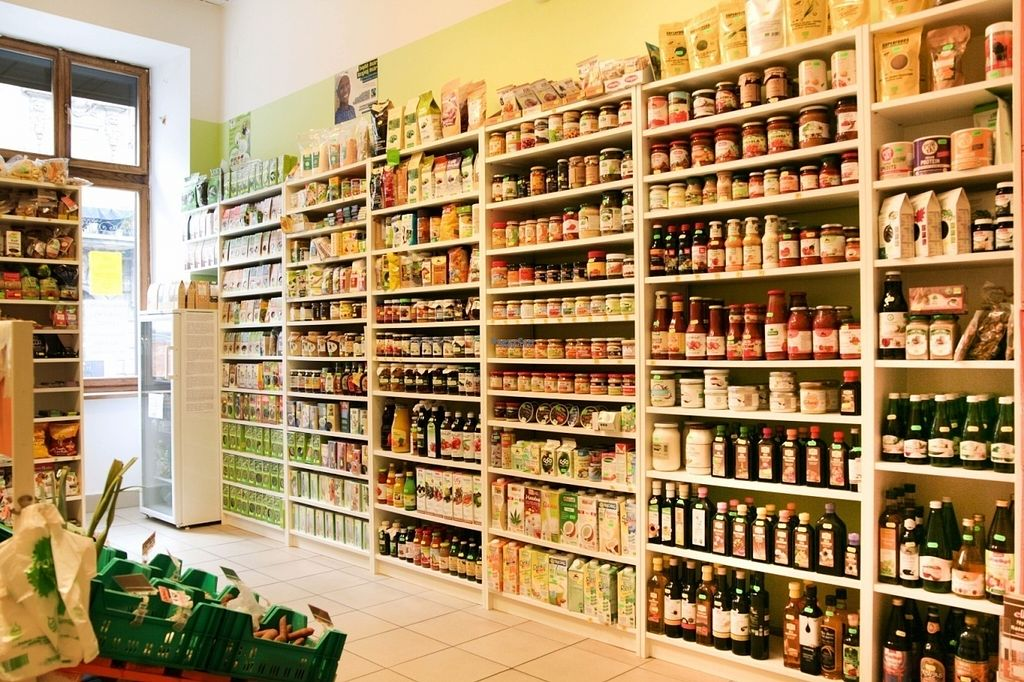 "Photo of Eko Logiczne  by <a href=""/members/profile/mmalec"">mmalec</a> <br/>Full shelves of organic goodies <br/> August 26, 2016  - <a href='/contact/abuse/image/76630/171597'>Report</a>"
