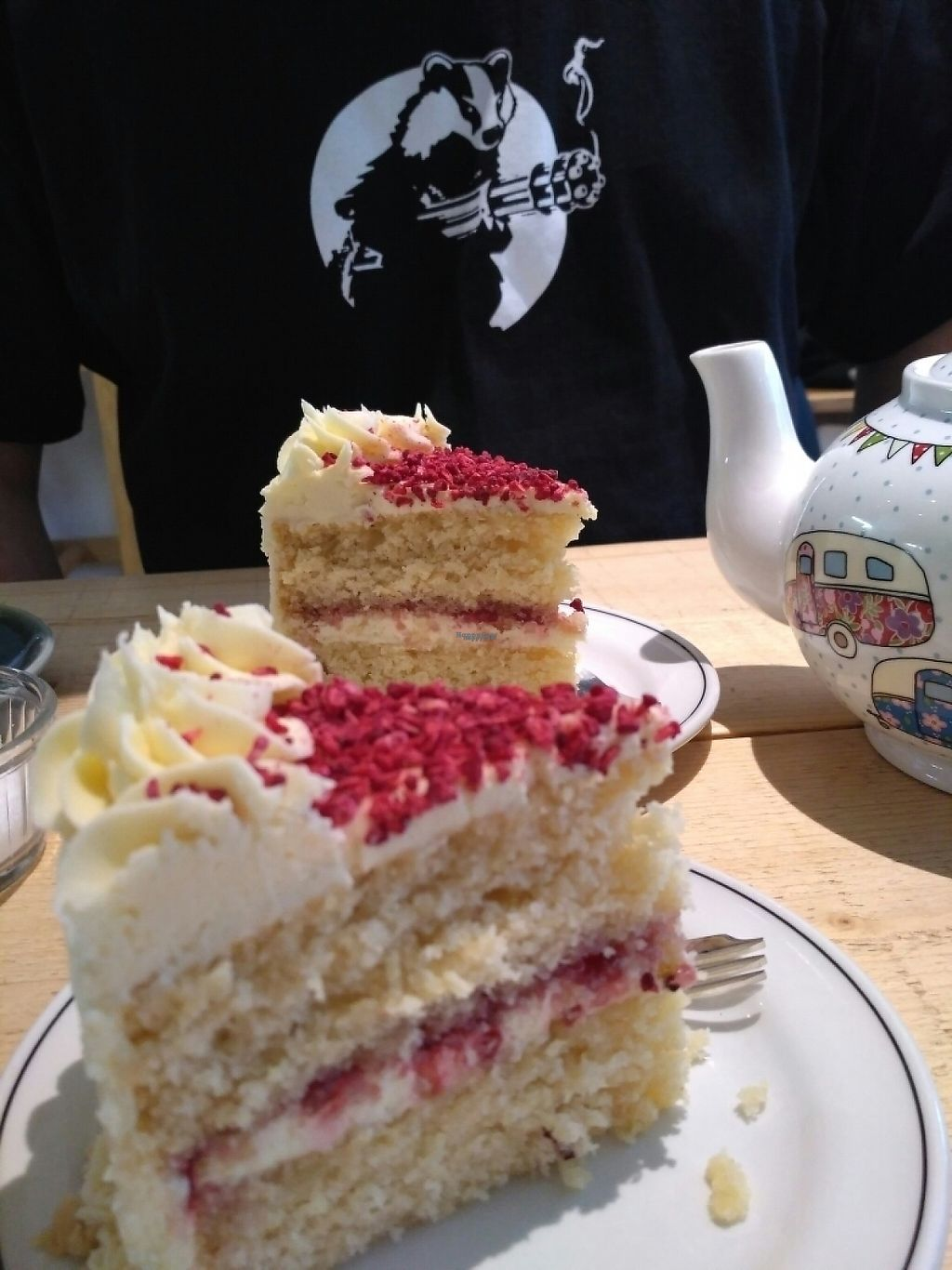 """Photo of Green Kitchen  by <a href=""""/members/profile/Miggi"""">Miggi</a> <br/>Victoria sponge cake with raspberries  <br/> November 26, 2016  - <a href='/contact/abuse/image/76632/194856'>Report</a>"""