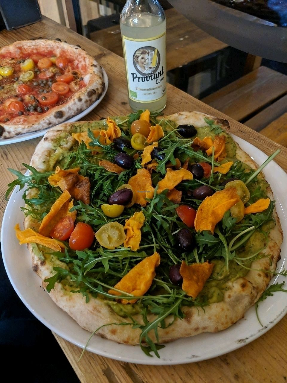 """Photo of 485Grad Pizza  by <a href=""""/members/profile/uschiverena"""">uschiverena</a> <br/>Guac, olives, tomatoes, rocket and sweet potato chips <br/> March 22, 2018  - <a href='/contact/abuse/image/76638/374533'>Report</a>"""