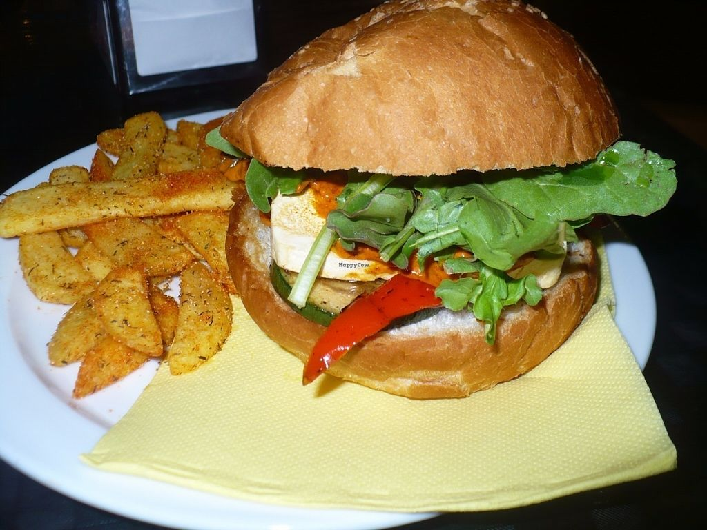 """Photo of Single Fin  by <a href=""""/members/profile/ellengdx"""">ellengdx</a> <br/>'El majorero' - handmade burger with tofu, Canarian mojo, rocket and grilled veg. A must-try.  <br/> July 18, 2016  - <a href='/contact/abuse/image/76689/160758'>Report</a>"""