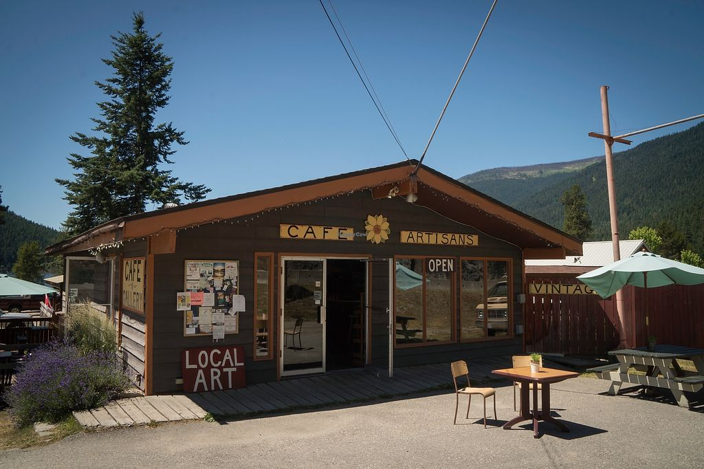"""Photo of The Appy Cafe and Gallery  by <a href=""""/members/profile/earthitarian"""">earthitarian</a> <br/>Exterior of Cafe <br/> July 15, 2017  - <a href='/contact/abuse/image/76699/280751'>Report</a>"""
