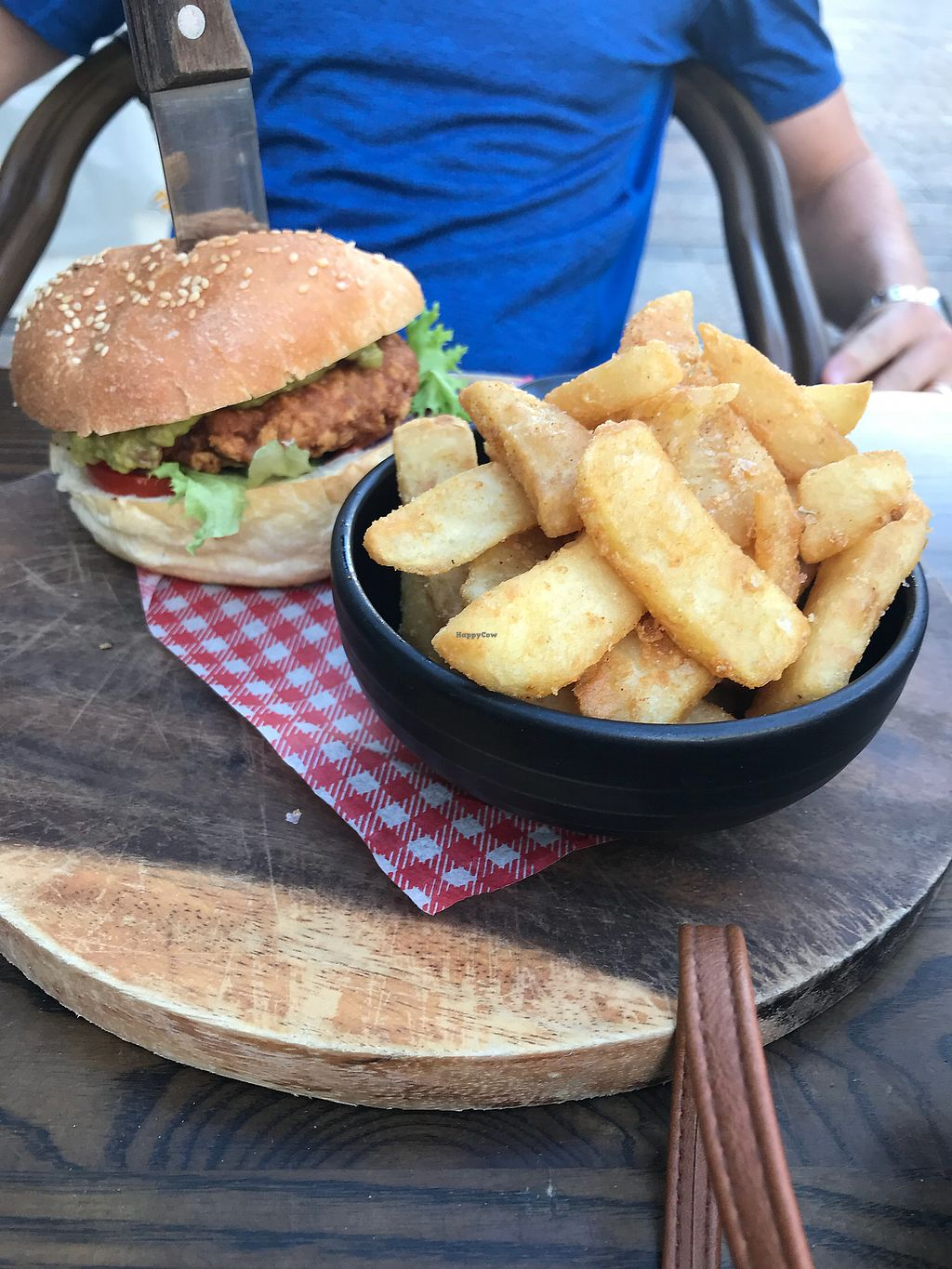"""Photo of The Hold  by <a href=""""/members/profile/dazedkiwi"""">dazedkiwi</a> <br/>Southern fried chicken burger <br/> April 14, 2018  - <a href='/contact/abuse/image/76715/385610'>Report</a>"""
